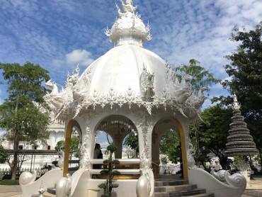Baltoji šventykla 8