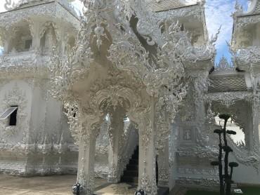 Baltoji šventykla Wat Rong Khun Tailandas 0