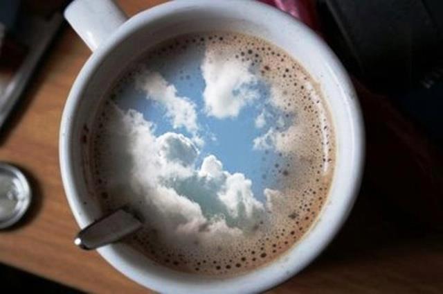 dangus kavos puodelyje