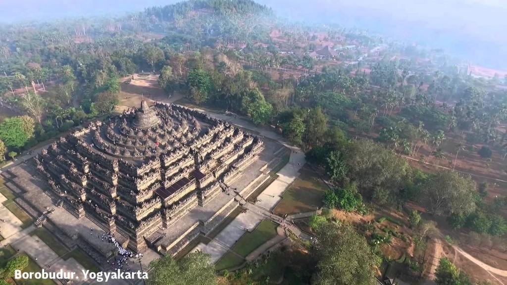 borobudur-temple-panorama-1